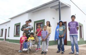 El Gobierno entregó una vivienda a la familia Vizgarra de El Quebrachal