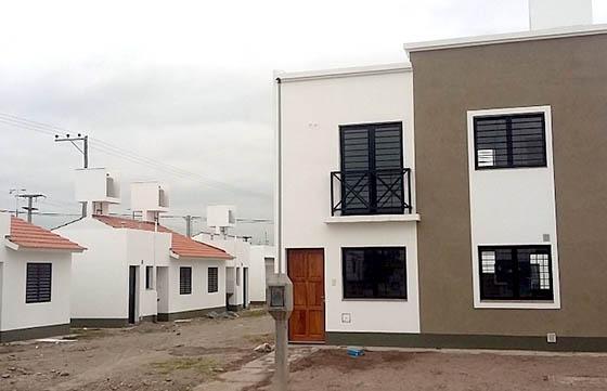 36 familias de barrio Limache reciben hoy sus dúplex