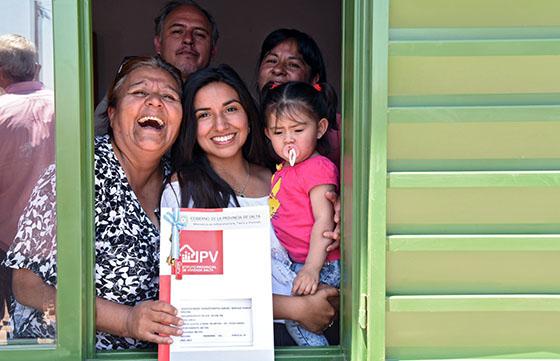Más de cien familias de Metán recibieron su vivienda