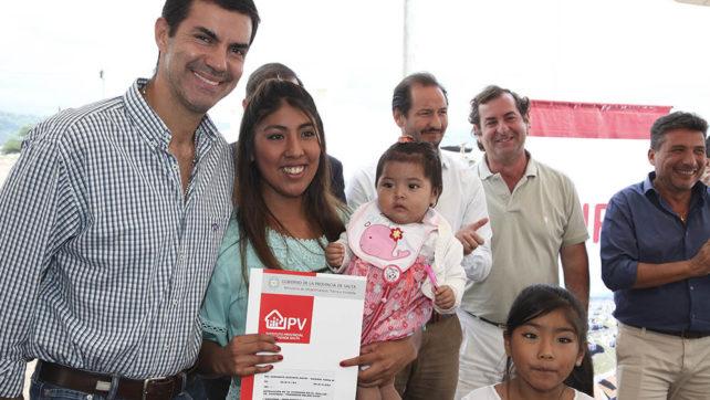 Ya disfrutan de sus nuevas viviendas 30 familias de El Mollar en Chicoana