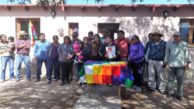 Familias de comunidades aborígenes del departamento San Carlos recibieron sus viviendas