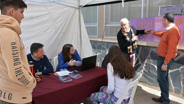Más de 150 familias de barrio El Huaico consultaron al IPV para escriturar sus viviendas