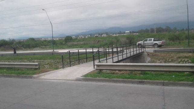 El IPV finalizó la obra de pasarela y dársena en la entrada al barrio Chachapoyas