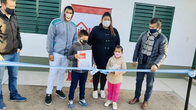 El Gobierno provincial realizó la segunda entrega de viviendas en el barrio San Calixto